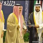 أمير تبوك يقدم مساعده مالية لأسرة الطالبة وهب ألشمري