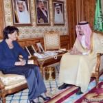 سفير خادم الحرمين الشريفين بالأردن يشارك الحملة الوطنية السعودية لنصرة الأشقاء في سوريا
