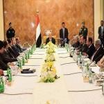 """""""الأحمر"""" يؤكد عزم بلاده على إحلال السلام في اليمن رغم انتهاكات المليشيا"""