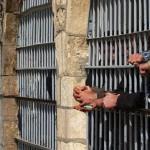 فرنسا : السجن 8 سنوات لطبيب يستمتع بخلع الأسنان السليمة وكسر فك المريض