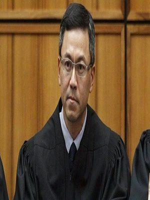 """قاض فيدرالي في هاواي يجمد قرار """"ترامب"""" بحظر السفر إلى أجل غير محدد"""