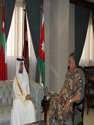 رئيس هيئة الأركان الأردني يستقبل السفير القطري لبحث التعاون الثنائي بما يخدم مصلحة القوات المسلحة في البلدين