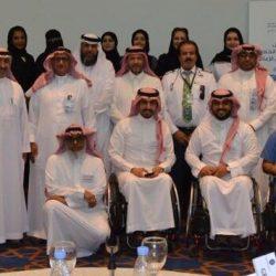 أمير تبوك يلتقي رؤساء المحاكم والقضاة ومديري الإدارات الحكومية والمواطنين