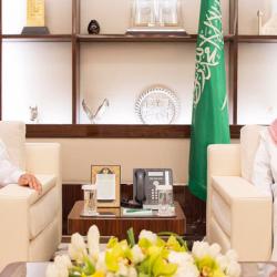 """""""نائب وزير الصحة"""" للتخطيط والتطوير يشكر مدير مستشفى صامطة"""