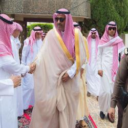 """""""آل هميل"""" يلتقي برؤساء الصحف الإلكترونية ورواد مواقع التواصل الاجتماعي بالطائف"""