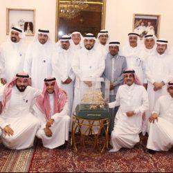 الرئيس الفخري لإدارة الصحيفة ومنسوبيها يهنئون الدكتور الشريف الراجحي على سلامته