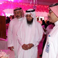 مدير تعليم تبوك يكرم الطالب العنزي لتفوقه في مسابقة الأمير سلطان لحفظ كتاب الله
