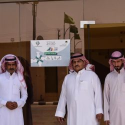 أمير القصيم يكرم مدير صحة المنطقة نظير تميزه في أداء عمله