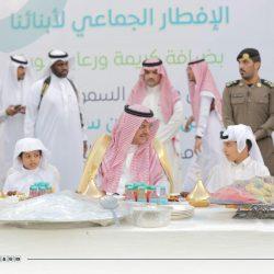 مركز الملك سلمان يواصل توزيع وجبات الإفطار للصائمين لليوم السادس باليمن