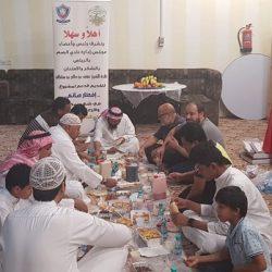 الشيخ السديس يشارك في أعمال تطييب الحجر الأسود وغسل الحِجر