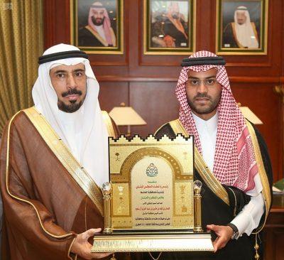 نائب أمير حائل يستقبل محافظ الحائط ورئيس وأعضاء المجلس البلدي