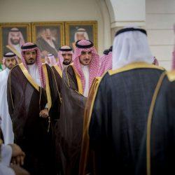 """محافظ حفرالباطن يقلد  مدير الجوازات رتبته الجديدة """"العميد"""""""