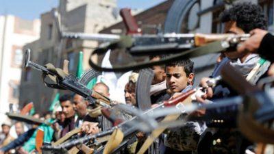 """في خروقات مستمرة.. """"الحوثي"""" تكثف قصفها على الحديدة"""