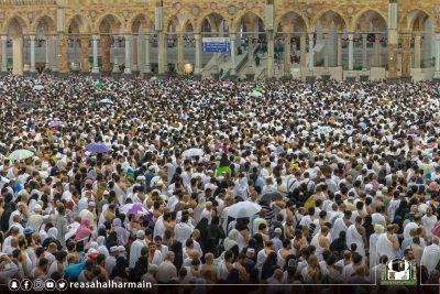 مليوني مصلٍ وأمطار بالمسجد الحرام.. ومعتمرون يشيدون بالخدمات