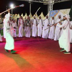 """ياسين الشمري يجهش باكياً لحفظه القرآن الكريم كاملاً في جمعية """"برهان"""""""