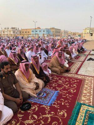 مواطني محافظة رنية و الخرمة يؤدون صلاة عيد الفطر