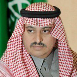 مدير عام جمرك جسر الملك فهد يكرم الموظفين المميزين