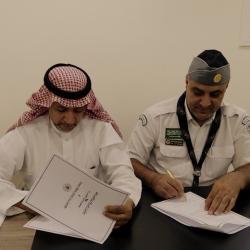 أمير القصيم يفتتح مقر احتفالات أهالي مركز الهلالية ويلتقي الأهالي