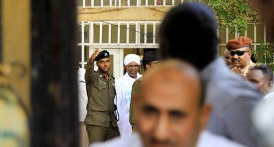 القضاء السوداني يؤجل محاكمة عمر البشير