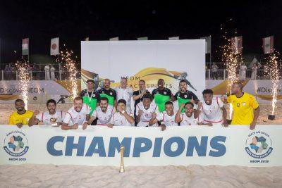"""""""منتخب عمان"""" بطلاً للبطولة الدولية لكرة القدم الشاطئية المقامة في نيوم"""