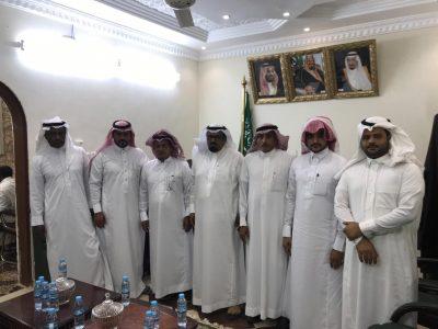 محافظ الحرث يعقد اجتماع مع المركز الإعلامي بالمحافظة
