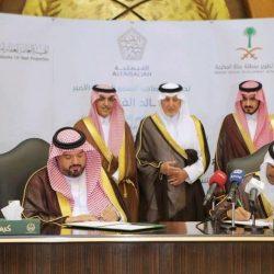 العصيل يقلد الرائد فهد بن عبدالرحمن العتيق رتبته الجديدة