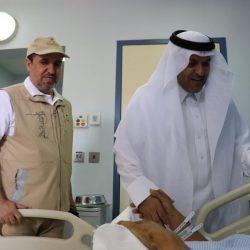 """محافظ """"الخرمة"""" يعايد المرضى المنوَّمين بالمستشفى العام"""