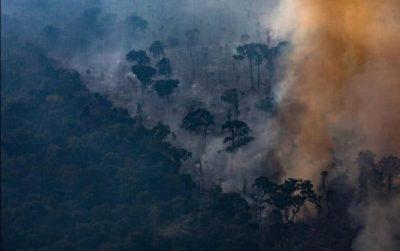 البرازيل ترفض مساعدة مجموعة السبع لإخماد حرائق الامازون