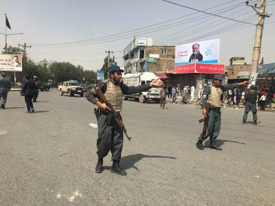 """إصابة """"٩٥"""" شخصاً بانفجار سيارة ملغمة خارج مركز للشرطة في كابول"""