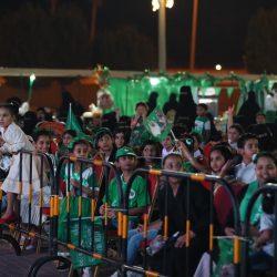 سمو أمير منطقة الرياض يستقبل نجلاء العتيبي وشريفة المطيري لحصولهن على جائزة الملك سلمان للدراسات العليا