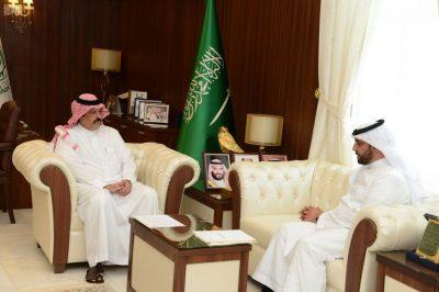 أمير حائل يستقبل رئيس وأعضاء مجلس إدارة الجمعيات الأهلية بالمنطقة