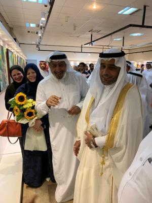 مدير معهد الإدارة العامة بالمنطقة الشرقية يفتتح معرض الفنان عبدالستار الموسى