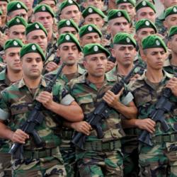 """قبل أن ينهي خطابه.. اللبنانيون يتهمون """"حسن نصر الله"""" بالفساد"""