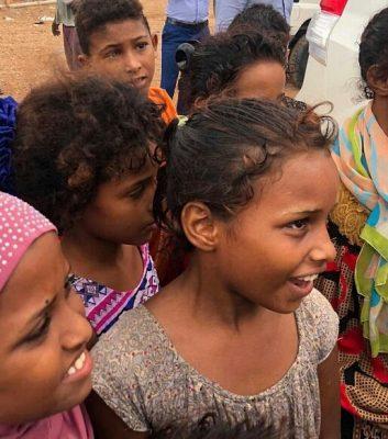 """""""مركز الملك سلمان"""" للإغاثة يوزع 750 سلة غذائية للاجئين اليمنيين في جيبوتي"""