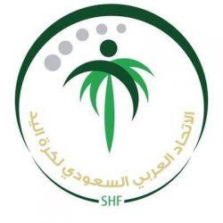 الأمير فيصل بن مشعل يحفز لاعبي الأخضر خلال حضوره مباراة المنتخب السعودي مع سنغافورة