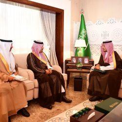 أمير الشرقية يلتقي مدير عام شركة مطارات الدمام بمناسبة انتهاء فترة عمله