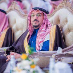 نائب أمير القصيم يعزي أسرة السليم في وفاة والدة محافظ عنيزة