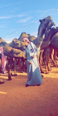 الشمري يفوز بشلفا ولي العهد في لون الصفر  بمهرجان الملك عبدالعزيز للإبل