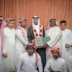 أمير الرياض يقدم العزاء في وفاة شقيقة حيدر المؤنس – رحمها الله –
