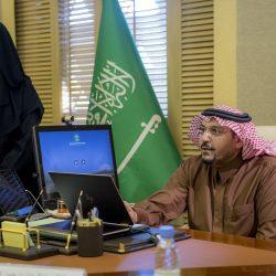 سمو أمير منطقة الرياض يقدم العزاء في وفاة السلطان قابوس بن سعيد – رحمه الله –