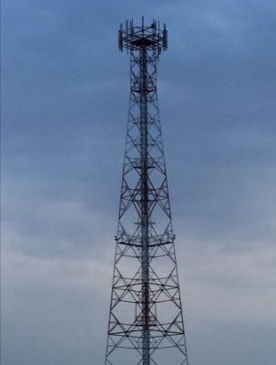 """أهالي بلدة """" السديرة """" يشتكون من سوء تغطية شركات الإتصالات وخدمة الإنترنت"""