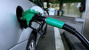 """""""أرامكو"""" تخفض أسعار الوقود ابتداءً من يوم غداً السبت"""