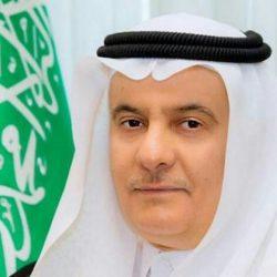 القبض على مواطن آساء لرجال الأمن إثر تلقيه مخالفة منع التجول بحفر الباطن