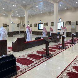 """""""أمير الجوف"""" يطلع على تطبيق الاجراءات والتدابير الاحترازية لمكاتب موظفي الإمارة"""