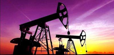 النفط يرتفع بفعل تراجع المخزونات الأمريكية