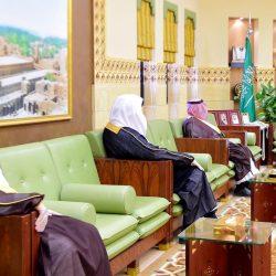 """الأمير فيصل بن بندر يطلع على التقارير الميدانية لمبادرة """" خيرات الرياض """""""