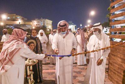 الأمير تركي بن طلال يفتتح سوق خيرات عسير