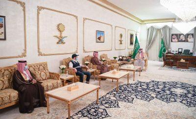 """الأمير فيصل بن خالد يدشن مركز """" تأكد وأنت في سيارتك """" في مدينة عرعر"""