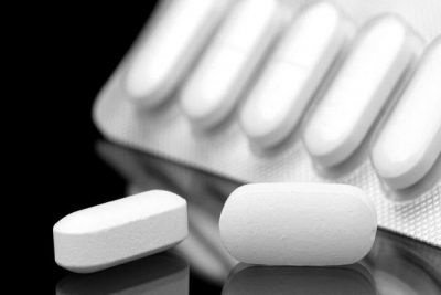 """""""الغذاء والدواء"""": تناول الأطفال """"الباراسيتامول"""" مع 3 فئات من الأدوية يعرض حياتهم للخطر"""