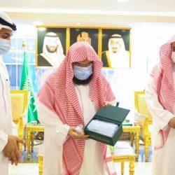 12409 أجهزة لوحية وشرائح بيانات تعزز مسيرة التعليم عن بعد في الرياض